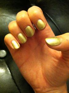gold gel nails