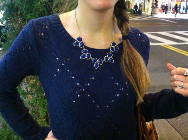 NAVY SWEATER NECKLACE